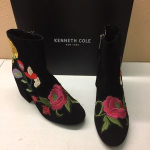 Kenneth Cole Black/ Floral Booties 7.5M